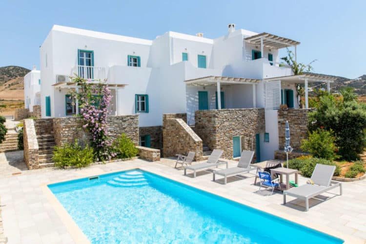Ismini-House-Villas-antiparos-olivevillarentals-pool-view
