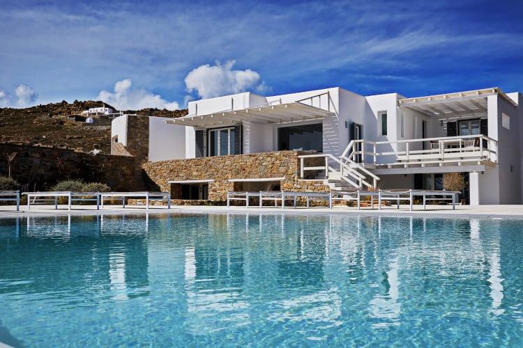 small-Villa- Leticia-Mykonos-by-Olive-Villa-Rentals-pool-area
