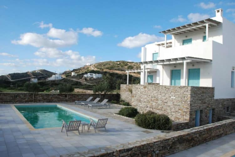 Crius-House-Villas-antiparos-olivevillarentals-pool-view