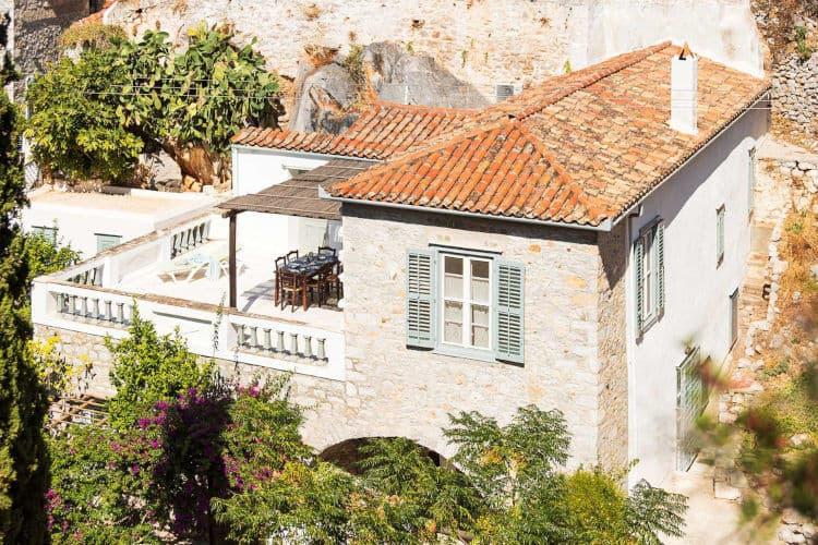 Villa-Violet-Villas-hydra-olivevillarentals-traditional