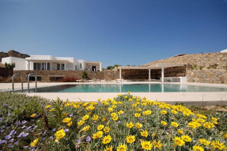Villa-Calanthe-Villas-mykonos-olivevillarentals-pool-view