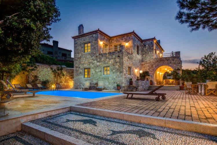 Villa-Arte-Villas-spetses-olivevillarentals-mosaic