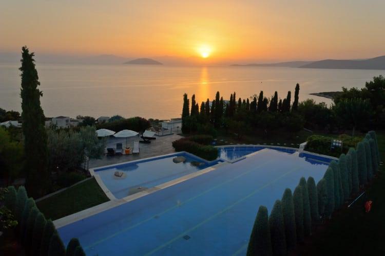 small-Villa-Magnolia-Porto Heli-by-Olive-Villa-Rentals-pool-area-sunset