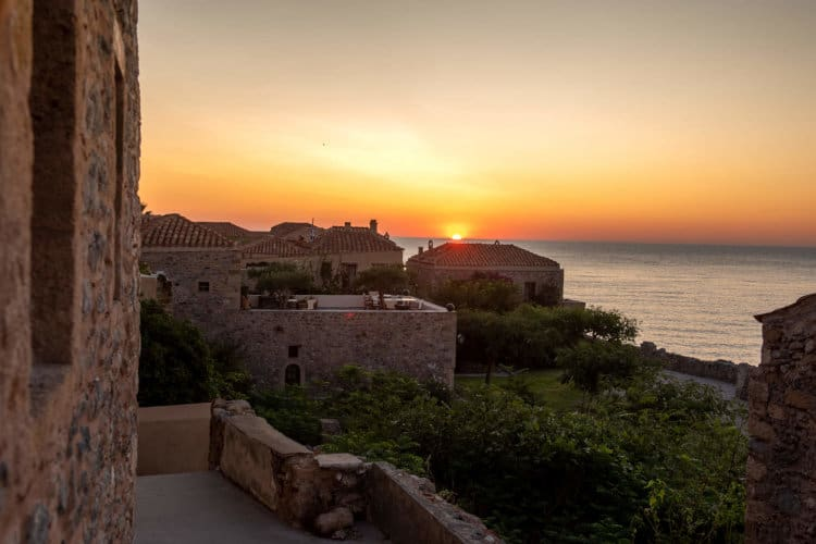 Castello-Malvazia-Villas-monemvasia-olivevillarentals-sunset