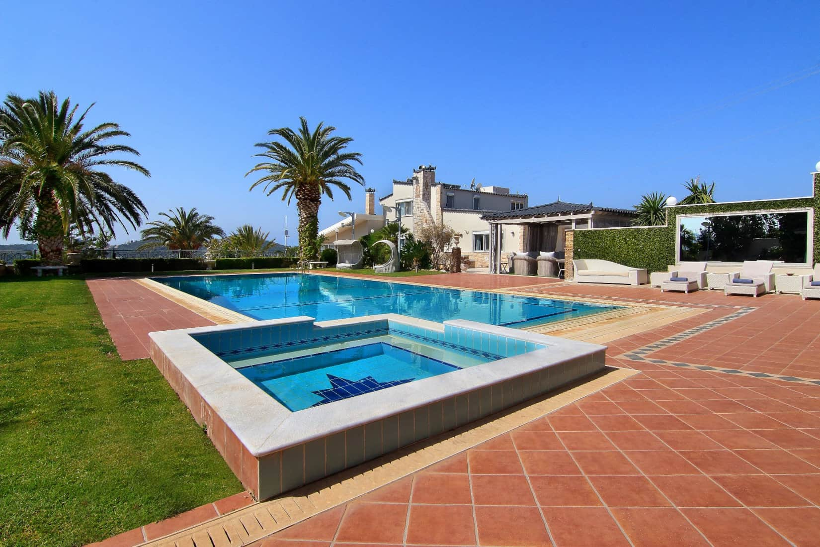 Villa Aristi in Athens, swimming pool, by Olive Villa Rentals