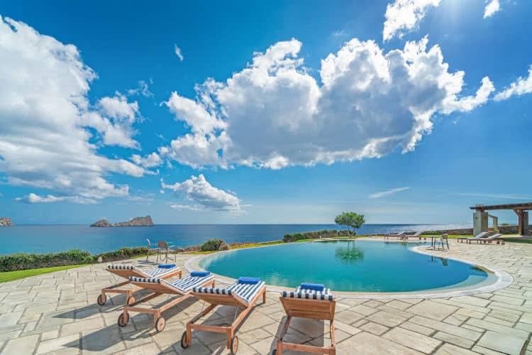 small-Villa-Hesperis-Crete-by-Olive-Villa-Rentals-sunbeds