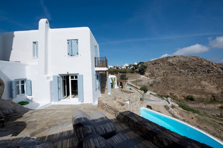 small-Villa-Delphin-Corfu-by-Olive-Villa-Rentals-exterior-views
