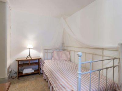 Villa-Corinna-Spetses-by-Olive-Villa-Rentals-bedroom