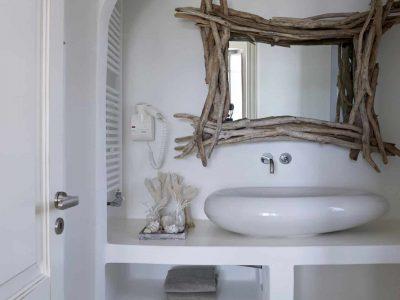 Villa-Melaina-Syros-by-Olive-Villa-Rentals-wc