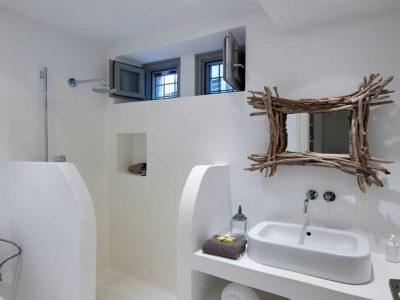 Villa-Melaina-Syros-by-Olive-Villa-Rentals-shower