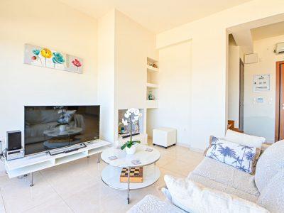 Villa Calypso in Aegina, living room, by Olive Villa Rentals
