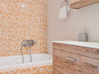 Villa Cybele in Aegina, bathroom, by Olive Villa Rentals