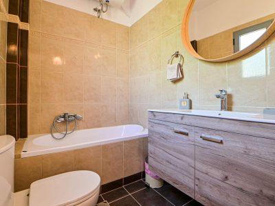 Villa Selene in Aegina, bathroom, by Olive Villa Rentals