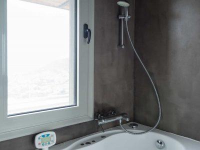 Villa Soledad in Athens, bathroom, by Olive Villa Rentals