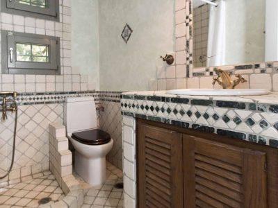 Villa Aureli in Porto Heli, bathroom, by Olive Villa Rentals