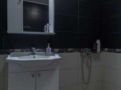 Villa Camille in Porto Heli, bathroom, by Olive Villa Rentals