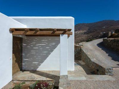Villa Luna in Tinos, facade, by Olive Villa Rentals