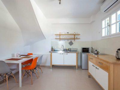Villa Cerise in Aaegina, kitchen, by Olive Villa Rentals