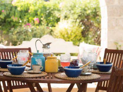 Villa- Arte-Spetses-by-Olive-Villa-Rentals-exterior-dining