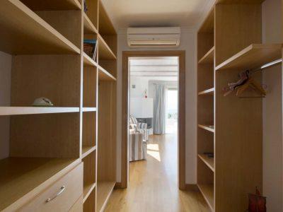Villa-Celeste-Athens-by-Olive-Villa-Rentals-bedroom-upper-floor