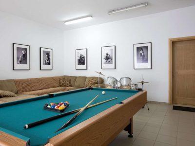 Villa-Celeste-Athens-by-Olive-Villa-Rentals-billard-lower-floor