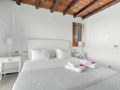 Villa-Hesperis-Crete-by-Olive-Villa-Rentals-bed