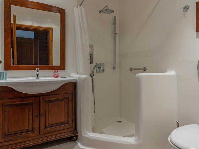 Villa-Hesperis-Crete-by-Olive-Villa-Rentals-bathroom-2