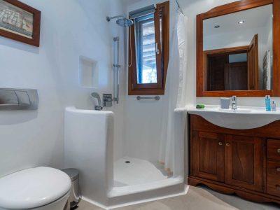 Villa-Hesperis-Crete-by-Olive-Villa-Rentals-bathroom-3