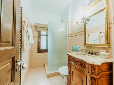 Villa-Verenice-Pelion-by-Olive-Villa-Rentals-bathroom