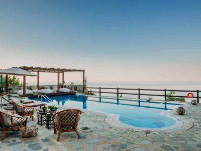 Villa-Verenice-Pelion-by-Olive-Villa-Rentals-pool-area