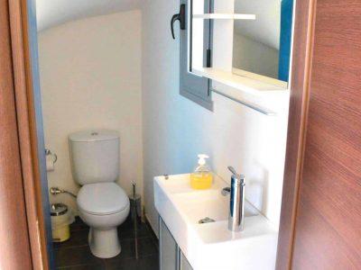 Villa Iris in Aegina Greece, bathroom 3, by Olive Villa Rentals
