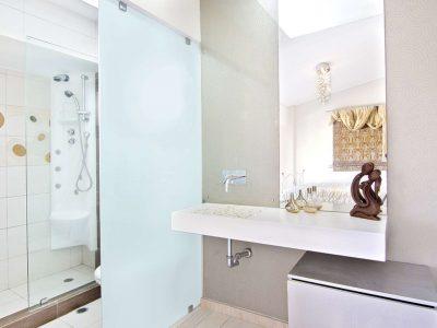 Villa Themis in Athens Greece, bathroom 3, by Olive Villa Rentals