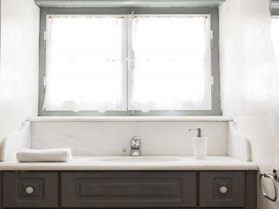 Villa Violet in Hydra Greece, bathroom 6, by Olive Villa Rentals