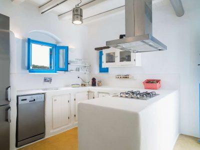Villa Lavanda in Koufonisia Greece, kitchen, by Olive Villa Rentals