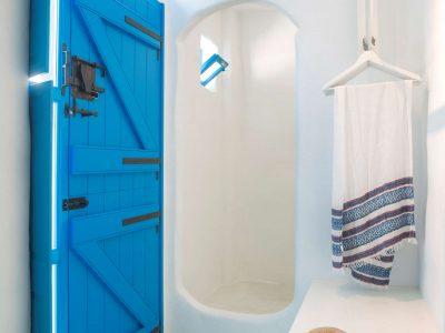 Villa Lavanda in Koufonisia Greece, bathroom, by Olive Villa Rentals