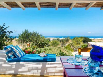 Villa Lavanda in Koufonisia Greece, the yard, by Olive Villa Rentals