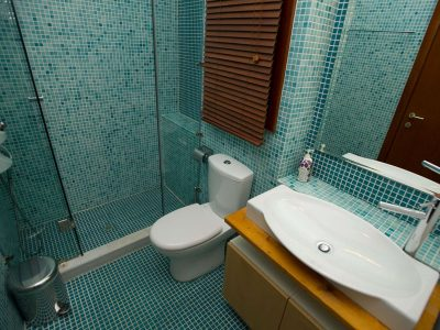 Villa Jason in Pelion Greece, bathroom, by Olive Villa Rentals