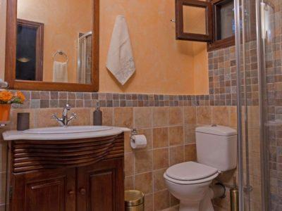 Milies House in Pelion Greece, bathroom 2, by Olive Villa Rentals