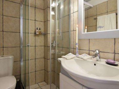 Villa Matilda in Spetses Greece, bathroom 6, by Olive Villa Rentals