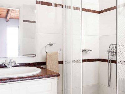Villa Pegasus in Spetses Greece, bathroom 2, by Olive Villa Rentals