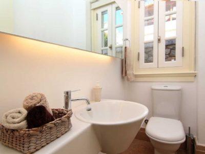 Villa- Marina -Spetses-by-Olive-Villa-Rentals-wc