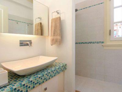 Villa- Marina -Spetses-by-Olive-Villa-Rentals-bathroom